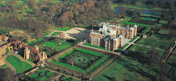 Gallery images and information: Hatfield House Interior